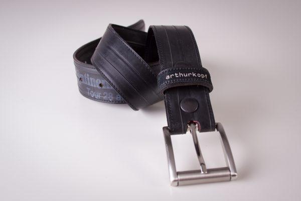 Gürtel aus Fahrradschlauch arthurkopf Handwerk und Design